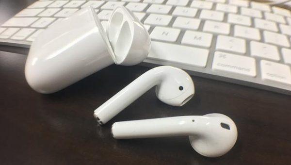 未だに6週間待ちのAppleのBluetoothイヤホン「AirPods」がついにキタ!