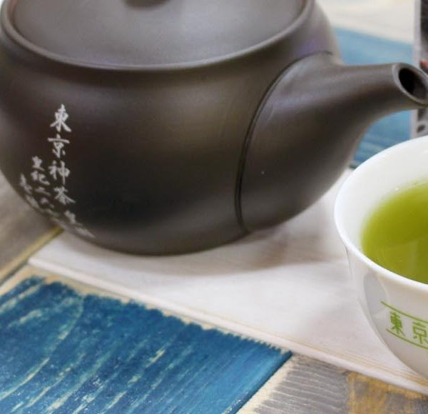 仕事中につい飲みすぎるコーヒー。お茶に置き換えることでカフェイン量を抑え健康的に!